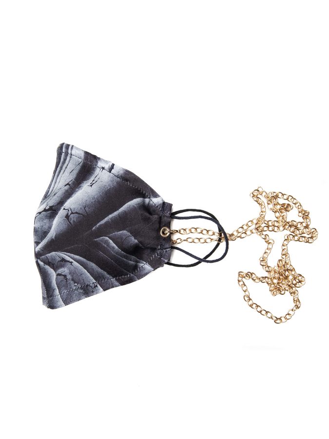 House of Silk - 100% Silk Blue Marble Face Mask with Gold Chain (1)
