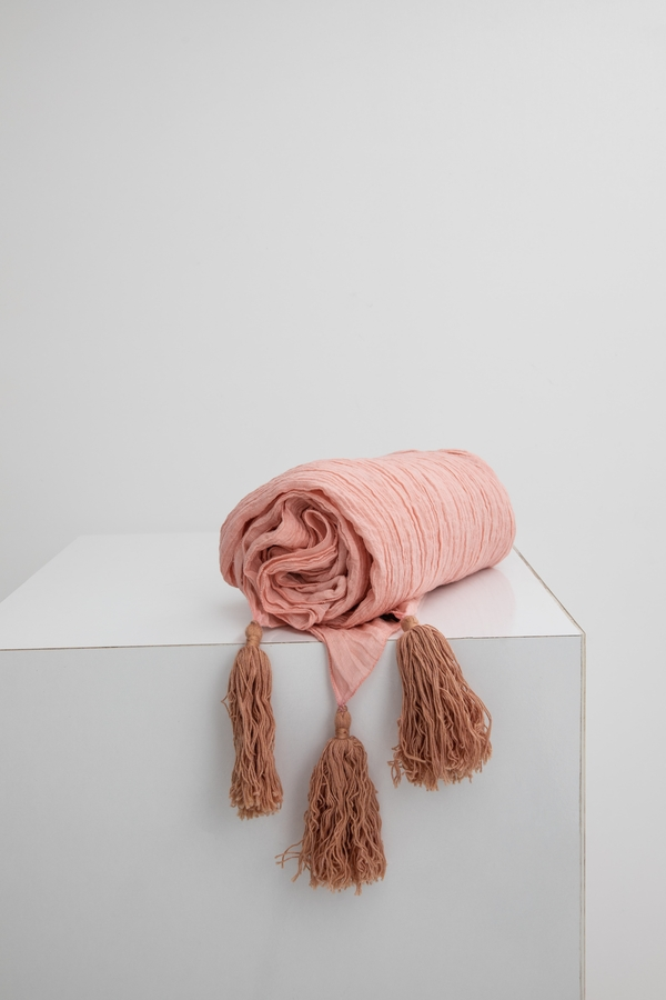 House of Silk Maison - Light Pink Linen Throw