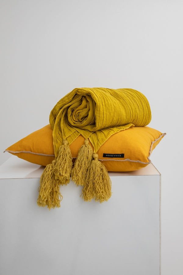 House of Silk Maison - Mustard Linen Throw (1)