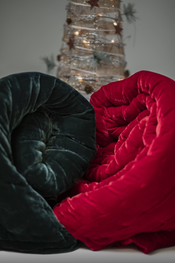 House of Silk Maison - Red Velvet Throw